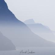 Falaises dans la brume