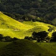 Paysage de montagne: ombre et lumière