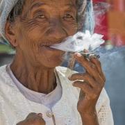 Fumeuse de cheroot