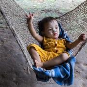 Bébé dans un hamac
