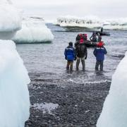 Débarquement sur la péninsule antartctique