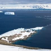 Paysage côtier, pénisule antarctique