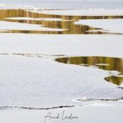 Lac en cours de dégel