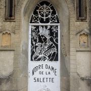 Cité médiévale de Crémieu: Basilique Notre Dame de la Salette