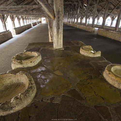 Cité médiévale de Crémieu: Halle médiévale, XVème siècle