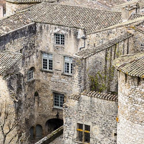 Village de Vogüé: le château