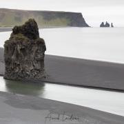 Vue sur les aiguilles de Vik la péninsule de Dyrhólaey