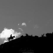 Vallée de Kok Jaiyik: cavalier gravissant une pente