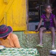 Scène de vie dans un village