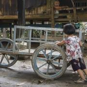 Scène de vie dans le village Go Nut