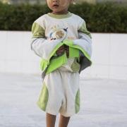Enfant sur l'esplanade du rocher d'or