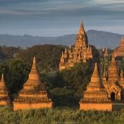 Bagan: Pagodes au lever de soleil