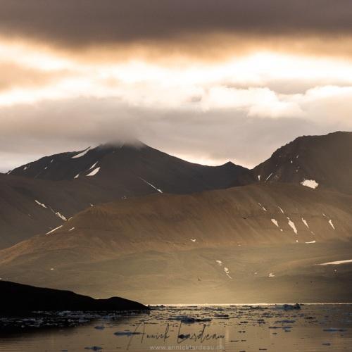 Lumières du matin en fond de fjord