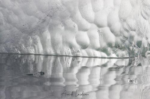 Détail d'iceberg échoué