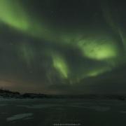 lac gelé et aurore boréale