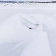 Lac gelé et ses formations dues au vent