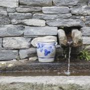 Fontaine dans l'enceinte du Musée du Val Maggia, Tessin