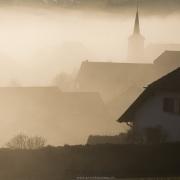 Paysage dan le brouillard, pied du Jura