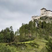 Grisons: Château de Fontana Tarasp