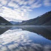 Grisons: Reflets dans le lac du col de la Fluela