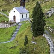 Grisons: Petite église de campagne